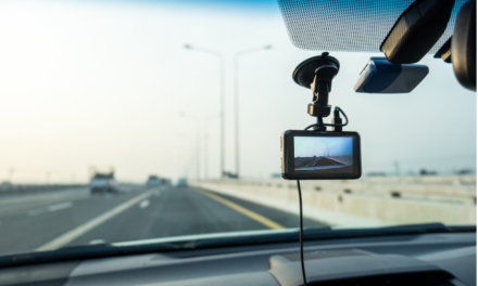 8 Things to Look For When Purchasing a Dash Cam For Your Hotshot Truck