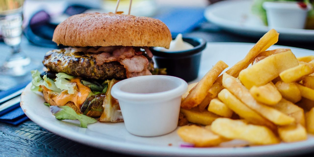 How to Lose Weight and Stay Healthy On the Road